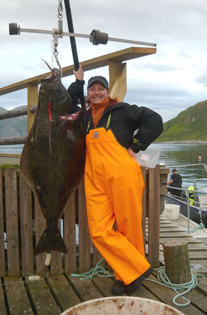 Katja mit ihrem 140cm Butt gefangen auf einem Unterwasserberg