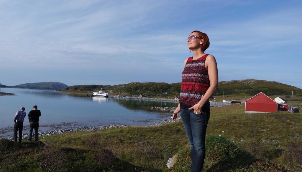 Katja auf unserem Grundstück in Mikkelvik